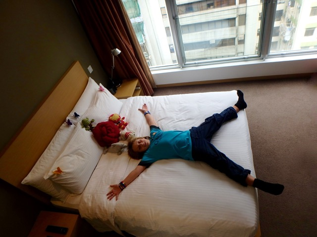 ZZ Ninja Kid: World Snooze Tour - Bed #33 Hotel Butterfly, Kowloon